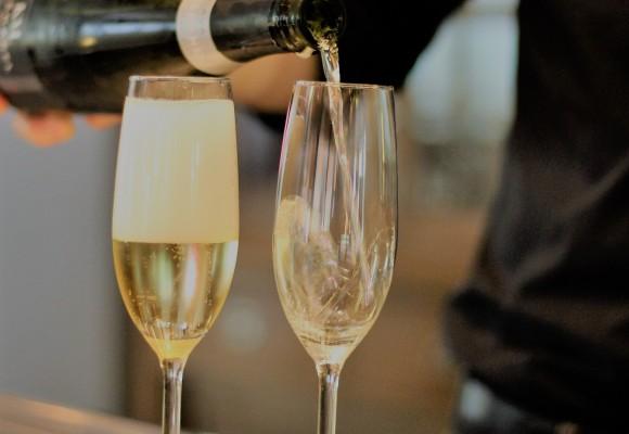 Las 3 Diferencias entre Champagne y Cava