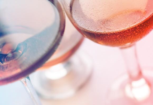 ¿A qué temperatura debo beber el vino o champagne?